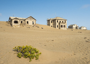 Africa, Namibia, houses of ghost town Kolmanskop at Namib desert - RJF00753