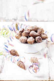 Mutzenmandeln, traditional Rhenish carnival cookies - SBDF03496