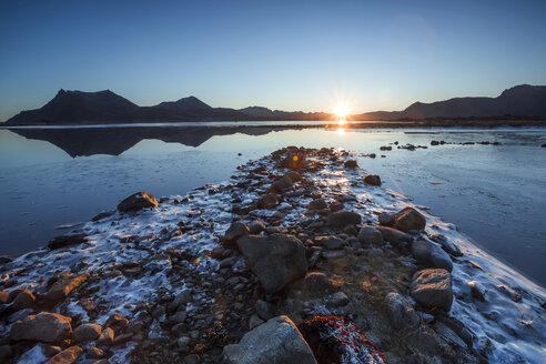 Norway, Lofoten Islands, water's edge at sunset - WVF01072