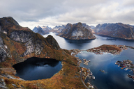 Norway, Lofoten Islands, Reine, View from Reinebringen - WVF01089