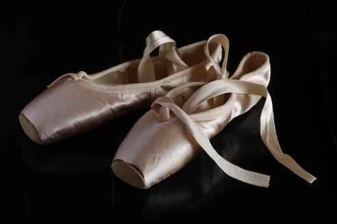 Ballet shoes on dark ground - JTF00971