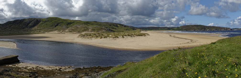 United Kingdom, Scotland, Highland, Sutherland, Bettyhill, sand dune and beach at river Naver - LBF01898