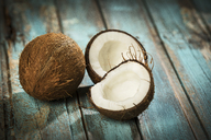 Opened coconut, close-up - MAEF12561