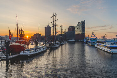 Germany, Hamburg, Niederhafen and Elbe Philharmonic Hall at sunrise - KEBF00815