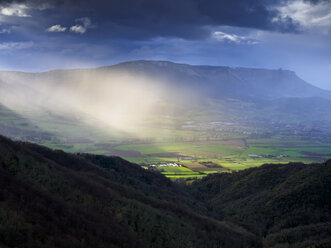 Spain, Basque Country, Euskadi, Canyon del Nervion, stormy atmosphere - LAF02003