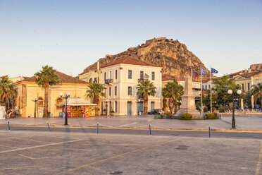 Greece, Peloponnese, Argolis, Nauplia, Old town, Palamidi Fortress in the evening light - MAMF00028