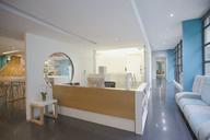 Modern, creative office reception desk and lobby - HOXF03386