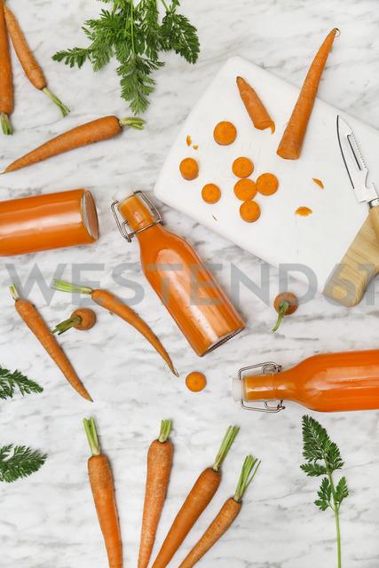 Homemade carrot juice in bottles - RTBF01188