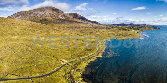 United Kingdom, Scotland, Northwest Highlands, Isle of Skye, Panoramic view of Loch Slapin - STS01496