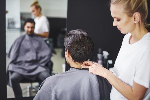 Man at barber shop - ABIF00349