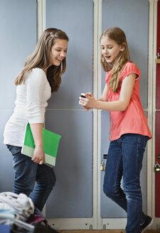 Girlfriends in school at lockers - MASF07071
