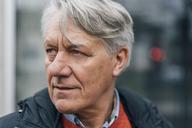 Portrait of senior man outdoors looking sideways - GUSF00641