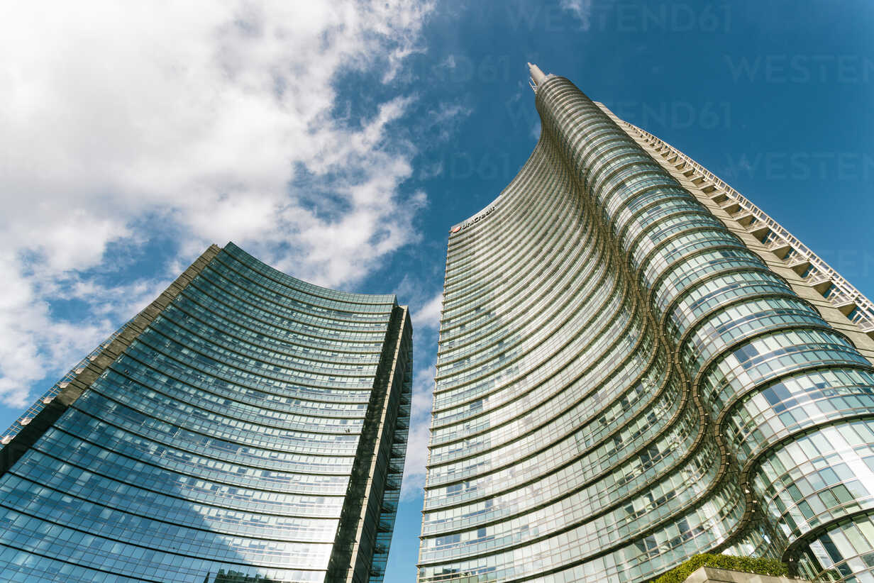 Italy, Lombardy, Milan, Piazza Gae Aulenti with the Unicredit tower and  shopping center - TAM01037 - A. Tamboly/