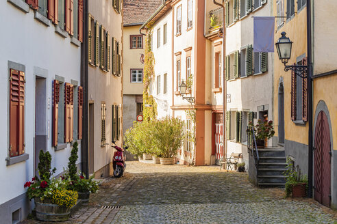 Austria, Vorarlberg, Bregenz, Upper city, alley and row of old houses - WDF04623