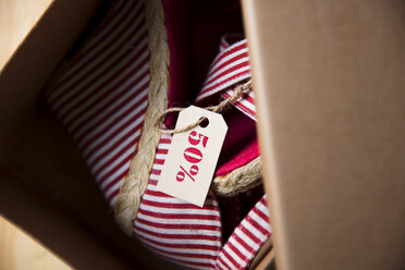 Shoes on sale in carton - ZEF15388