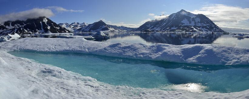 Greenland, East Greenland, Kulusuk Island - ESF01602