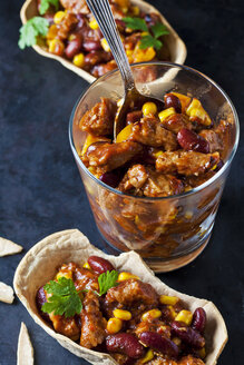 Vegetarian Chili with soy meat cut into strips - CSF29119