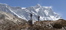 Nepal, Solo Khumbu, Everest, Group of mounaineers hiking at Dingboche - ALRF01073