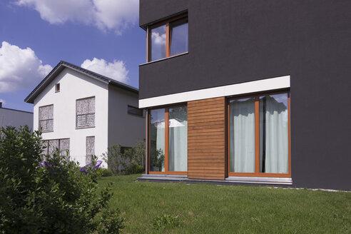 Germany, Berlin, modern villa - CM00798