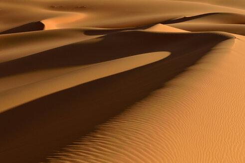 Africa, Algeria, Illizi Province, Sahara desert, Tassili n'Ajjer National Park, Tadrart, sand dunes of Moul Naga - ESF01643