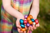 Girl holding easter eggs - CUF01550