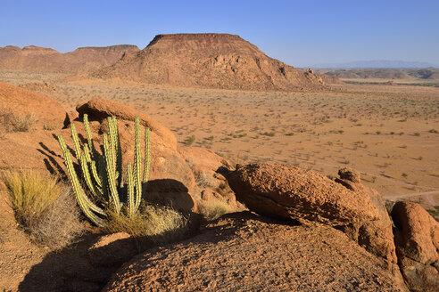 Africa, Namibia, Kunene Province, Namib Desert, Damaraland, Twyvelfontein, Aba Huab valley, granite landscape - ESF01660