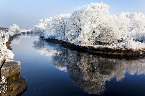 River shannon in winter, munster, limerick, ireland - ISF00809
