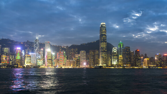 China, Hong Kong, Central, city view in the evening - MKFF00384