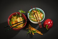 Noodle soup with mie noodles, carrot, green bean, paprika, mint and chili - MAEF12576