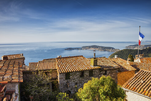 France, Alpes Maritimes, French Riviera, Cote d'Azur, Eze medieval village houses, view to Mediterranean Sea - ABOF00350