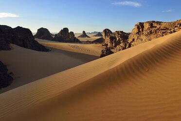 Algeria, Sahara Desert, Tassili N'Ajjer National Park, Timghas, View over Timras - ESF01668