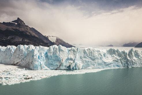 Storm cloud over Lake Argentino and Perito Moreno Glacier in Los Glaciares National Park, Patagonia, Chile - CUF08014