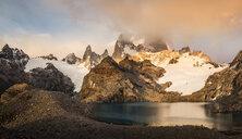 Storm cloud over  Fitz Roy mountain range and Laguna de los Tres in Los Glaciares National Park, Patagonia, Argentina - CUF08035