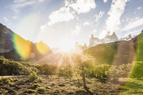 Sunlit  landscape and Fitz Roy mountain range in Los Glaciares National Park, Patagonia, Argentina - CUF08038