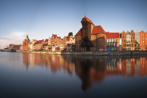 Poland, Gdansk, view to the historic old city with crane gate and Motlawa river - HAMF00279