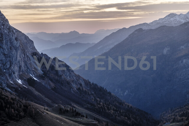 Germany, Bavaria, Berchtesgaden Alps, View to Schneibstein in the evening light - HAMF00291