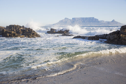 Africa, South Africa, Western Cape, Cape Town, View from beach to Table Mountain - ZEF15493