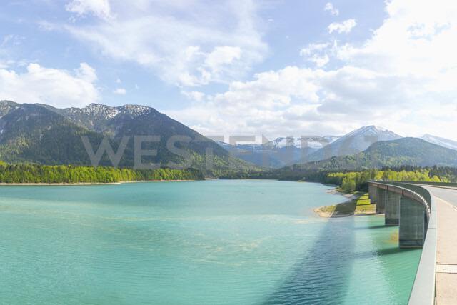 Germany, Bavaria, Sylvenstein Dam, View to Karwendel mountains in Austria - MMAF00356