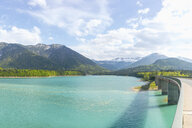 Germany, Bavaria, Sylvenstein Dam, View to Karwendel mountains in Austria - MMAF00356