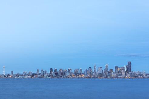 USA, Washington State, Seattle, Skyline at blue hour - MMAF00359