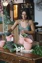 Woman working in restaurant - CUF12398