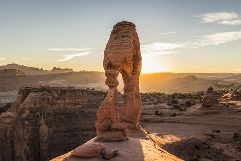 Delicate Arch, Arches National Park, Moab, Utah, USA - CUF12770