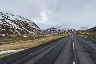 Iceland, North of Iceland, empty road in winter - AFVF00529
