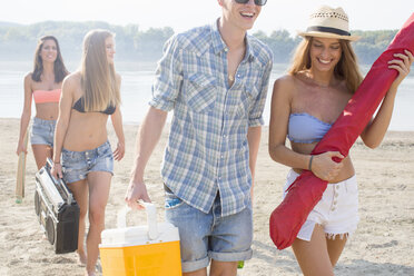 Group of friends enjoying beach party - ISF02271