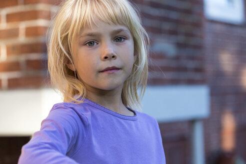Portrait of serious little girl - JFEF00862