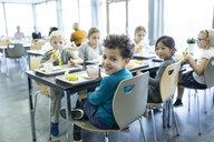 Pupils having lunch in school canteen - WESTF24194