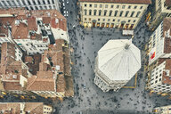 Overhead view of tourists and Baptistery of St John, Florence, Italy - CUF16797