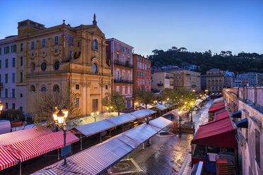 France, Provence-Alpes-Cote d'Azur, Nice, Old town, Cours Saleya, market at dawn - ABOF00369