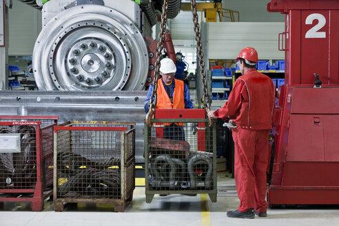 Industry, workers and indoor crane - CVF00664