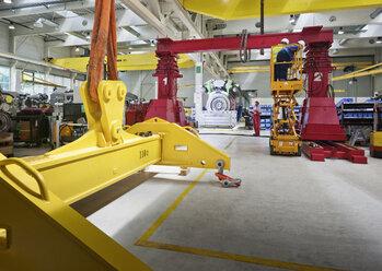 Industry, workers working with indoor crane - CVF00667